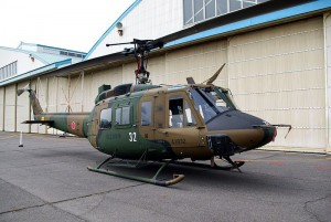 800px-JGSDF_UH-1J_20120520-01
