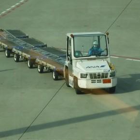 トーイングトラクター@羽田空港