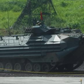 水陸両用車(AAVP7A1 RAM/RS)兵員輸送型@R1総火演